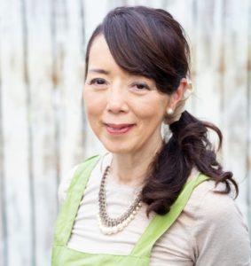 井上 まゆ美 さん 園芸家。株式会社河野自然園 代表取締役。横浜市にある自社農園での定期講習や北海道から九州まで全国各地への出張講習を含め、年間約100講座を開講しています。