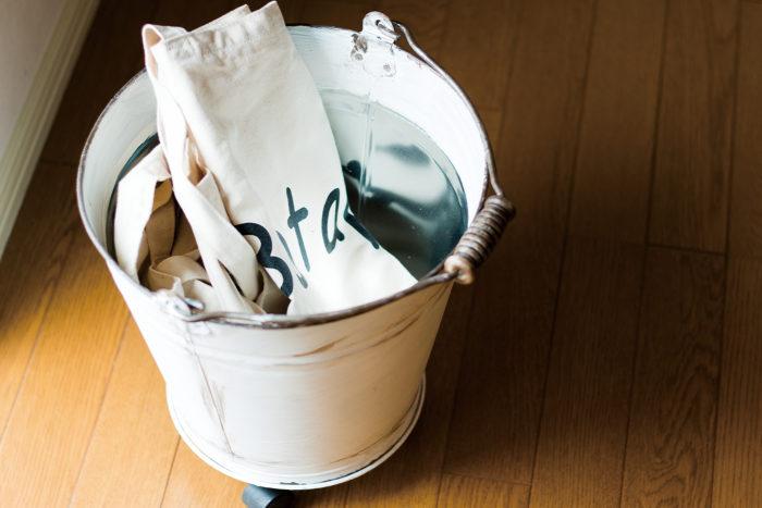 靴下やバッグなどよく使うファッション雑貨の収納にも便利。ガーデニング用品を入れてもいいですよね。