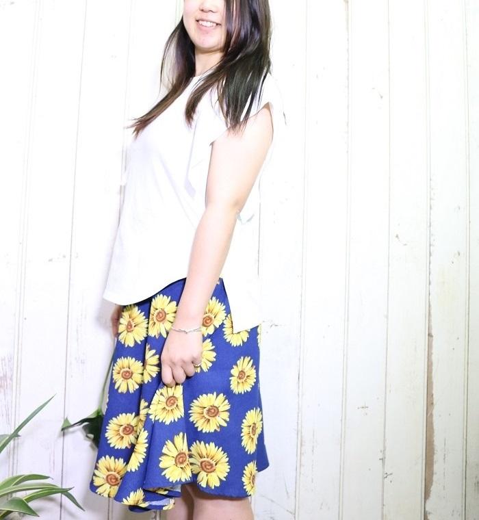 ファッションでは「ボタニカル柄」として、花柄やリーフ柄などのアイテムが数多く見られます。  ロンドンのリバティ社製のプリント柄などは人気も高く、数多くのブランドとアイテムを作ったりと、常に注目の的です。  アロハシャツもボタニカル柄ですね。実はアロハシャツのルーツは日本が関係していたりもするのです。  観葉植物の中でも人気の「モンステラ」。モンステラを使ったボタニカル柄のアイテムも多数あります。