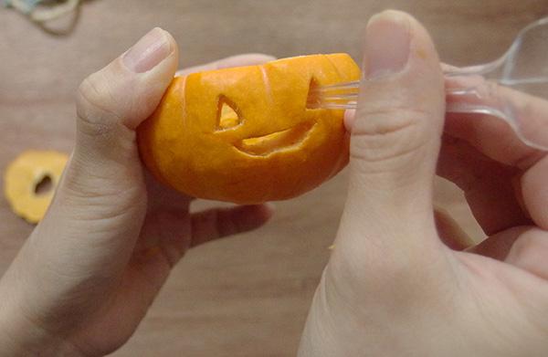 かぼちゃランタン 顔