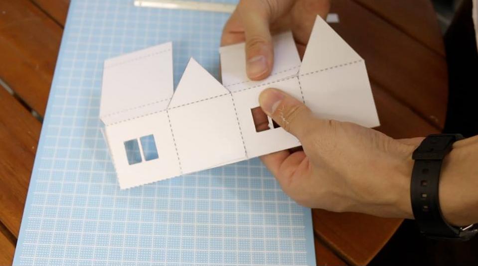 どんどん追って、型紙ははがしていきます。