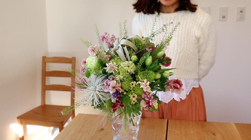 ブーケを作成してくださった日比谷花壇の来本曜世(くるもと てるよ)さん、本当にありがとうございました。  日比谷花壇の来本曜世さんの素敵なお花たちや活動が載っているブログやインスタグラムもあるんです。  ぜひチェックしてみてくださいね♪
