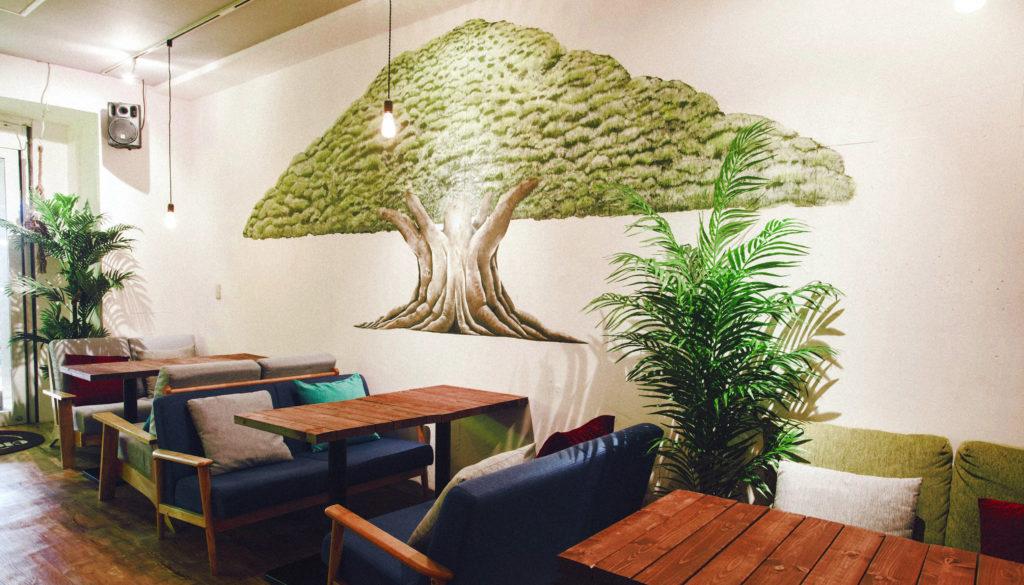 今後も壁画制作には力を入れていこうと思っています。樹木や植物に触れることが少ない街中にこそ、樹木や植物の絵をたくさん描いて残していきたですね。