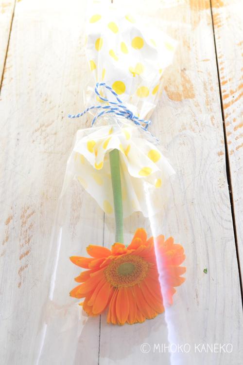 花びらはきれいに開いて、触ると張りがあります。