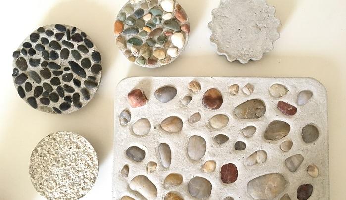 セメントプレートも白砂や海辺で拾った貝や石ころを入れて固まりました。