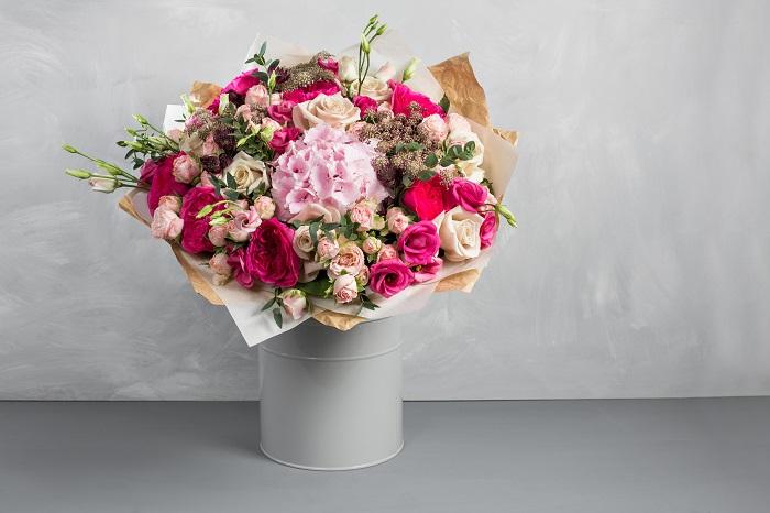母の日は毎年5月の第2日曜日。  2019年は5月12日です。  何を贈ろうかと考えているうちに、忙しい日々に流されうっかり過ぎてしまった。という方もいるのでは?また、気が付いたら母の日当日で、慌ててプレゼントを探しに出かけることがありませんか? ぜひ、今年は早めに準備してお母さんの喜ぶプレゼントを見つけましょう。お母さんの笑顔を見るのが楽しみですね。