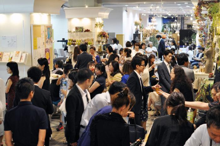 日本全国から約170点ものサマードアリースが横浜に勢揃い! 横浜ディスプレイミュージアムでは「2017サマードアリースコンテスト」 を8月31日まで展示中です。