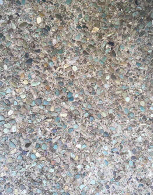 石材舗装はカラフルな洗い出し舗装。