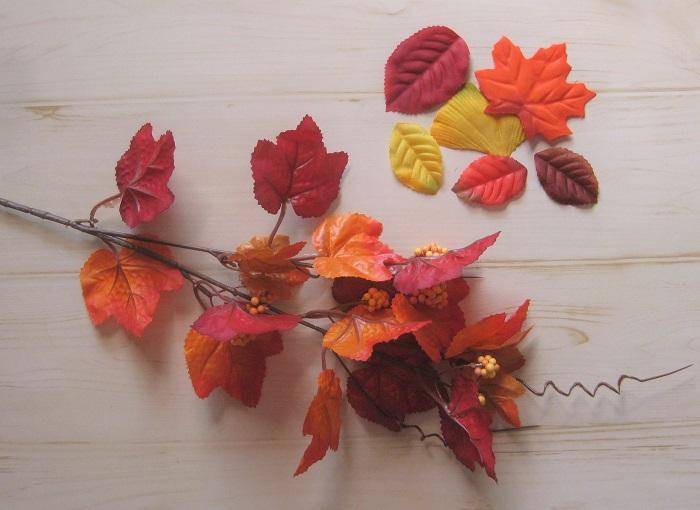 ハロウィンカラーの葉っぱ