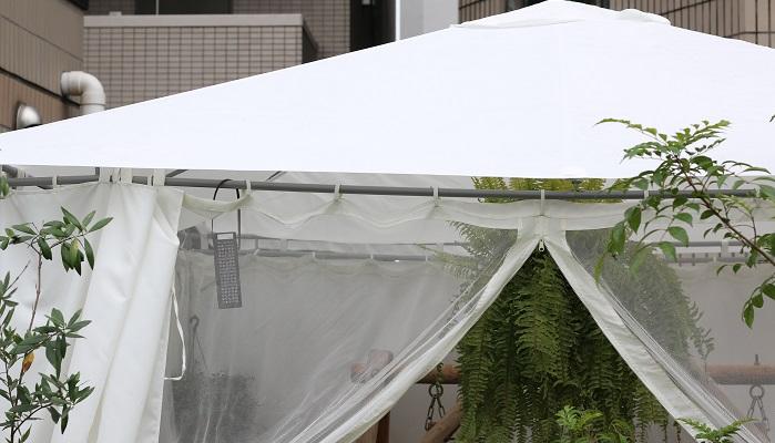 ガゼボのテントも対策が必要です。
