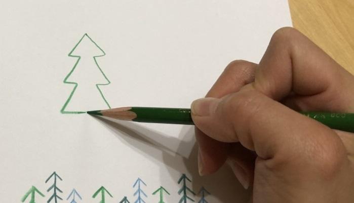 クリスマスカードを贈ろう クリスマスツリーのイラストを簡単に描く