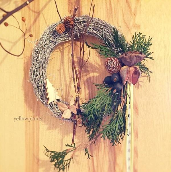 枝に自然素材、クリスマス飾り、リボンなどをアレンジしたクリスマスオーナメントです。 自然素材はどんなインテリアにもピッタリ♪ 作る、飾るをお楽しみください。    ▼ワークショップ情報をくわしくみる!