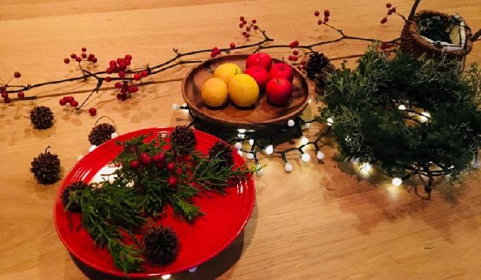 クリスマスのディナーやケーキもライトアップしてみたら、美味しさも倍増しそうです。