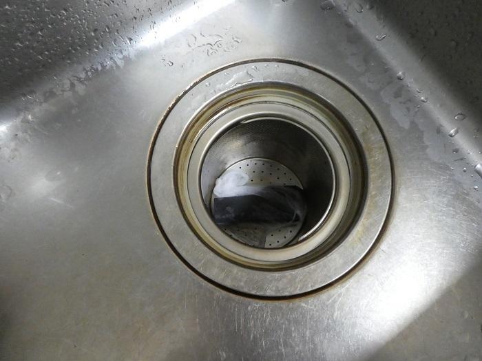 ・流しの消臭  キッチンネットなどに入れて流しに置きます。不快なぬめりにも効果があるようです。