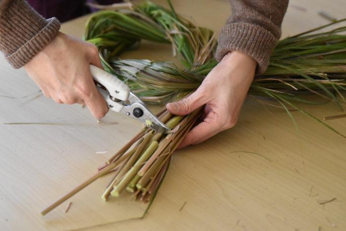 根元側の茎を切り揃えて、土台の完成です。