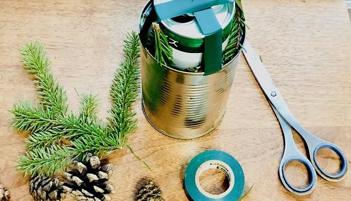 ブリキの空き缶大小2缶(冷凍可能なコンテナでもOK)