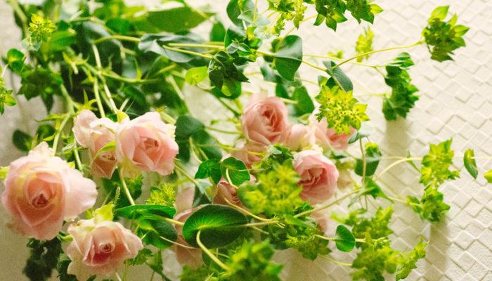 枝分かれした先に多数のお花を付けるスプレー咲き。小さいお花がたくさん咲きこぼれる様子を眺めるだけで、気持ちも華やぎます。