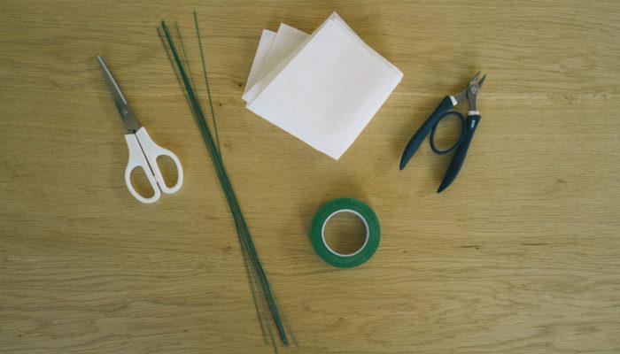 ブレスレットを作る道具と材料