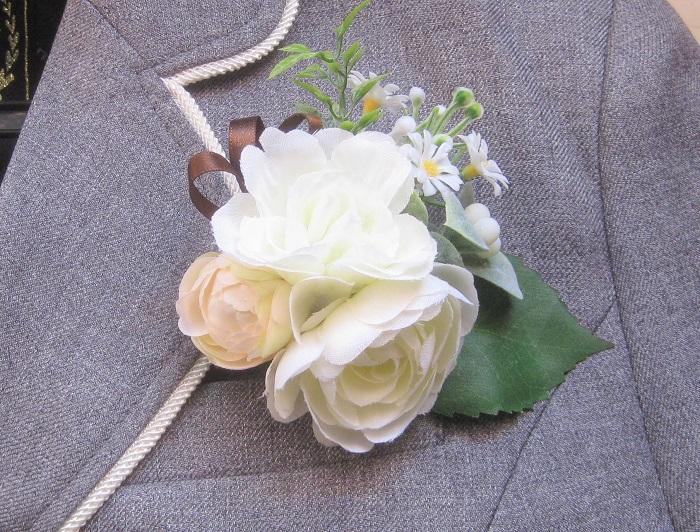 子供用には、小ぶりのお花を集めてかわいらしく作るのもいいですね。