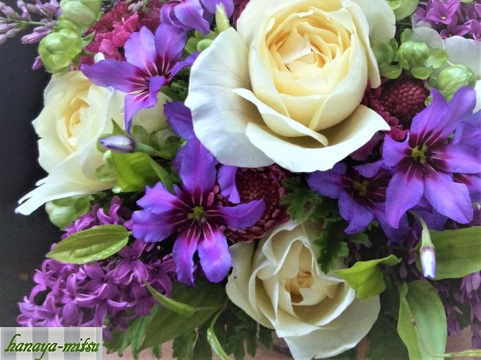 ライラックを生けるなら一緒に生けたい、可愛い春のお花たちをご紹介します。
