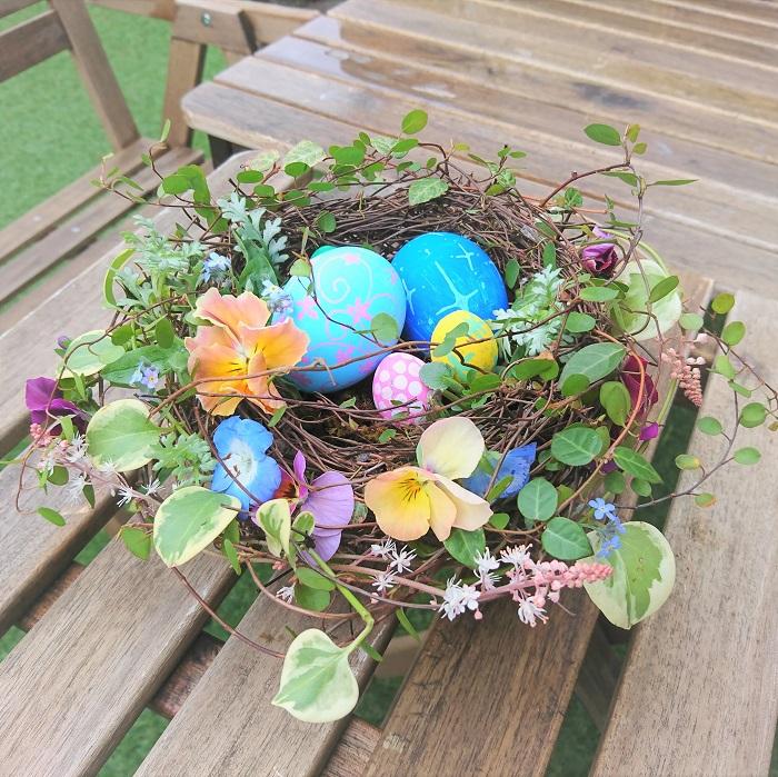 イースターは毎年何月何日と決まっているわけではありません。その年の春分の次の満月から数えて最初の日曜日がイースターとなります。キリストが復活したのが日曜日だったのが所以とされています。