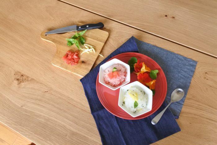 イタリアのシチリア島発祥の氷のデザートで、日本のかき氷に近い食感があります。  のちにフランスに伝わり、グラニテと呼ばれるフランス料理のコースで出されるデザートになりました。  野菜や果物、ハーブの他、コーヒーやリキュールで作られることもあります。