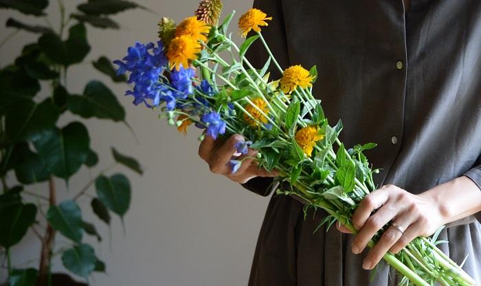 他にもvol.17で紹介した青い花をヒマワリと合わせてみるのも涼やかさと夏の明るさを表現できるのでおすすめです!
