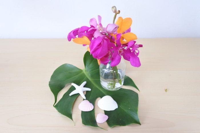 今回は切り分けた花を1つの花瓶に生けましたが、別々に生けていろいろな場所に飾ってもいいですね。