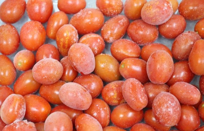 ・冷凍ミニトマト30個ほど(へたを取って水洗いし、冷凍しておいたもの。)