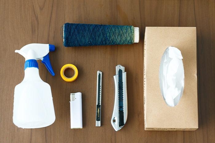 カッター2本(カッターが新しく錆止めオイルがついている場合はしっかりと拭き取ってから使いましょう)  穂木を切る用(細)と台木用(太)分ける  マスキングテープまたは糸  スプレー  ティッシュ  ライター(またはバーナー)