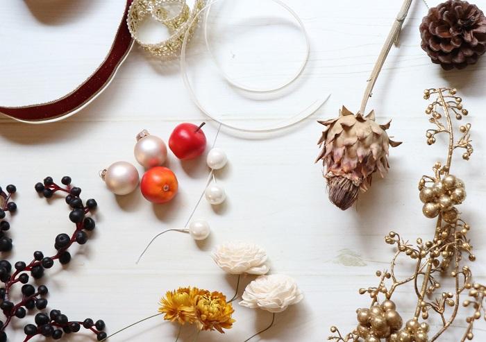 ・飾り付けに使うリボン、ナチュラル素材、キラキラパーツなど