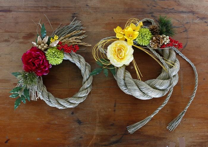 年末は何かと気忙しいのですが、しめ縄お正月飾りは毎年手作りしています。やっぱり自分で飾り付けたしめ縄を玄関に飾って迎えるお正月はとても気持ちが良いです。  ぜひ、オリジナルのしめ縄お正月飾りを作ってみてくださいね。