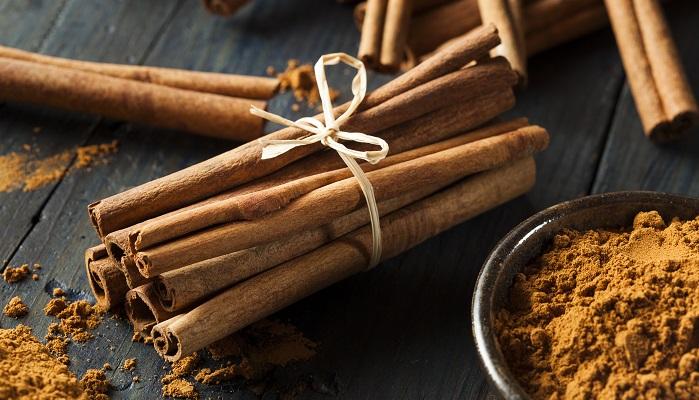 シナモンはクスノキ科ニッケイ属(Cinnamomum)の複数樹木の樹皮を乾燥させたスパイスです。実はシナモンには種類があるのです。ご存知でしたか?私は知りませんでした!