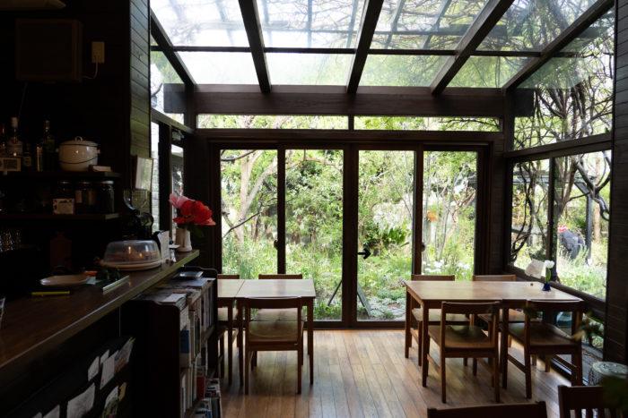 cafe kaeruの内観