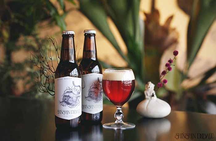 植物好きが作る絶品カレーによく合うオリジナルビールもあります。ぜひご堪能あれ。
