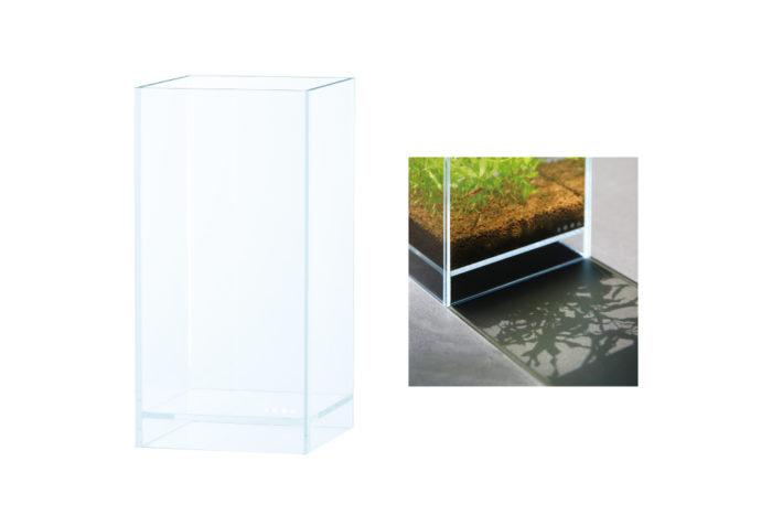 ネオグラスエアは高い透明度のガラスで作られており、底上げされた斬新なデザインで、空間を選ばずに飾ることができます。