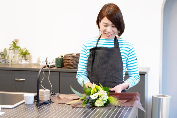 切花一本から華やかなブーケまで、さまざまなオーダーが可能。花束や器に生けたアレンジメントなど、用途に合わせて、作ってくれるのも魅力のひとつです。