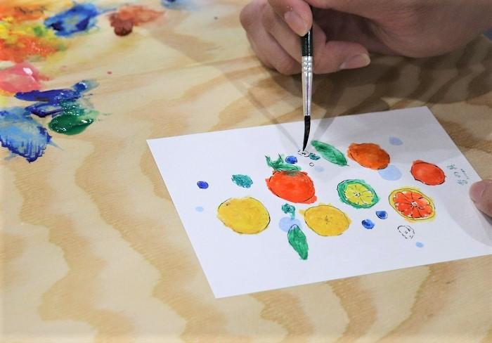 色を濃く塗ると、香りも強く出るとのことで、少し濃く塗ってみたり。