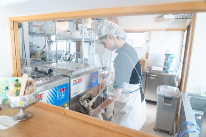 販売されるジャラートはすべて店内の工房で作られています。できる限り、自然な味・色・香りを表現したいという想いから、添加物や着色料、香料は一切使用していないそうです。