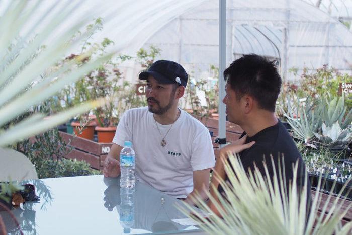 九州では珍しい、植物のコアなイベントの前身として今後の展開が気になるON THE PLANTS。開催に至った経緯と今後の展望、イベントを運営する裏にある植物に対する熱い想いを、ON THE PLANTS主催のSatoshi's NurseryのSatoshiさん、ISHII PLANTS NURSERYの石井さんのお2人に話を聞きました。