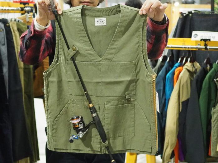 こちらは、有名な岡山の児島ジーンズのメーカーさんが遊び心でつくった釣り用の服です。またもや釣りの話で恐縮ですが(記者が釣り好き)、この服、ガーデニングウェアとしても使えそうではないでしょうか? ポケットもたくさんついていて、剪定ハサミなどもいれられそうです。何より普段着としてもかっこいいので、ぜひボニカルライフにも取り入れてもらいたいなと感じました。