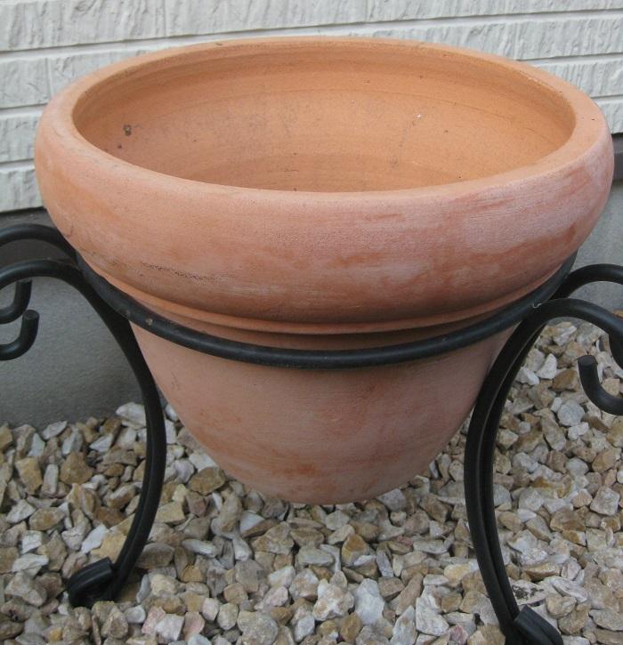 鉢(直径約35cm) 鉢底ネット 鉢底石 草花用の培養土 土入れ ジョーロなど