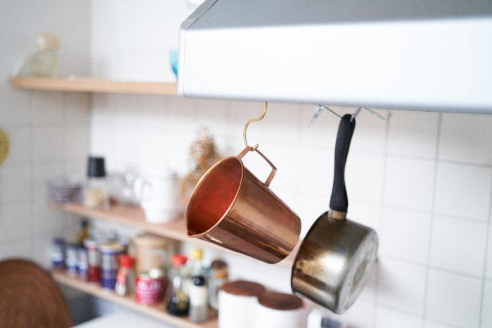 キッチンでカトラリー入れにするも良し、お料理に使うのも良し、植物用の水差しに使うも良し、花を生けるフラワーベースにするのも素敵です。