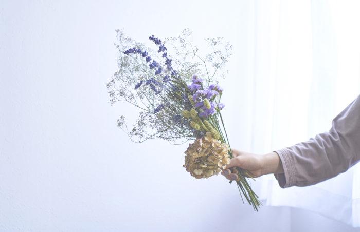 本格的に寒くなり、花や植物の冬越し準備が始まります。収穫した後はドライフラワーにして飾ってみませんか?